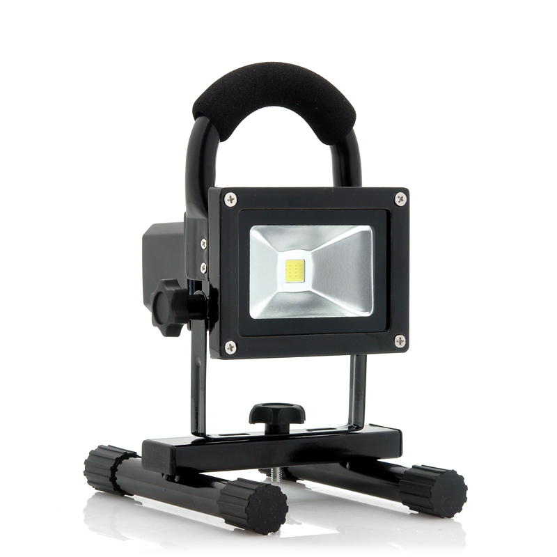 (M) Portable 900 Lumens Outdoor Camping LED Light (M)